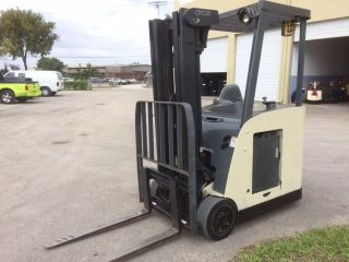 2007 Crown Electric Forklift Rc5500 3,  000 Lb Capacity Triple Mast Tires photo