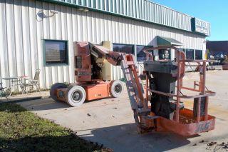 Jlg E300j Electric Knuckle Boom Lift photo