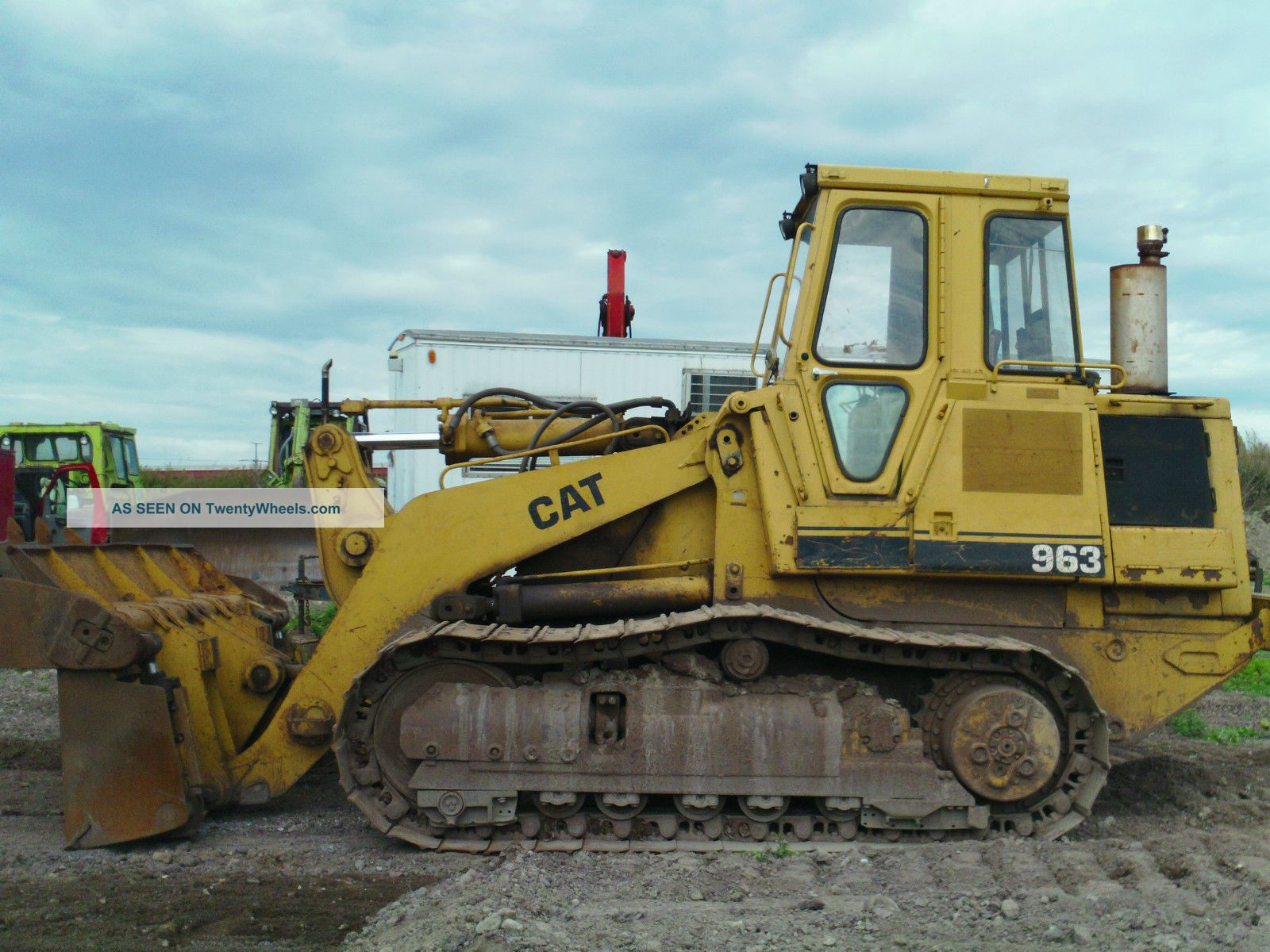 Caterpillar 963 Crawler Dozers & Loaders photo