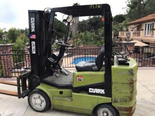 Clark Cgc30 6000lb Propane Forklift Lift Truck For Repair photo