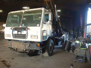 1998 Ccc Tk Roll Off Trucks photo