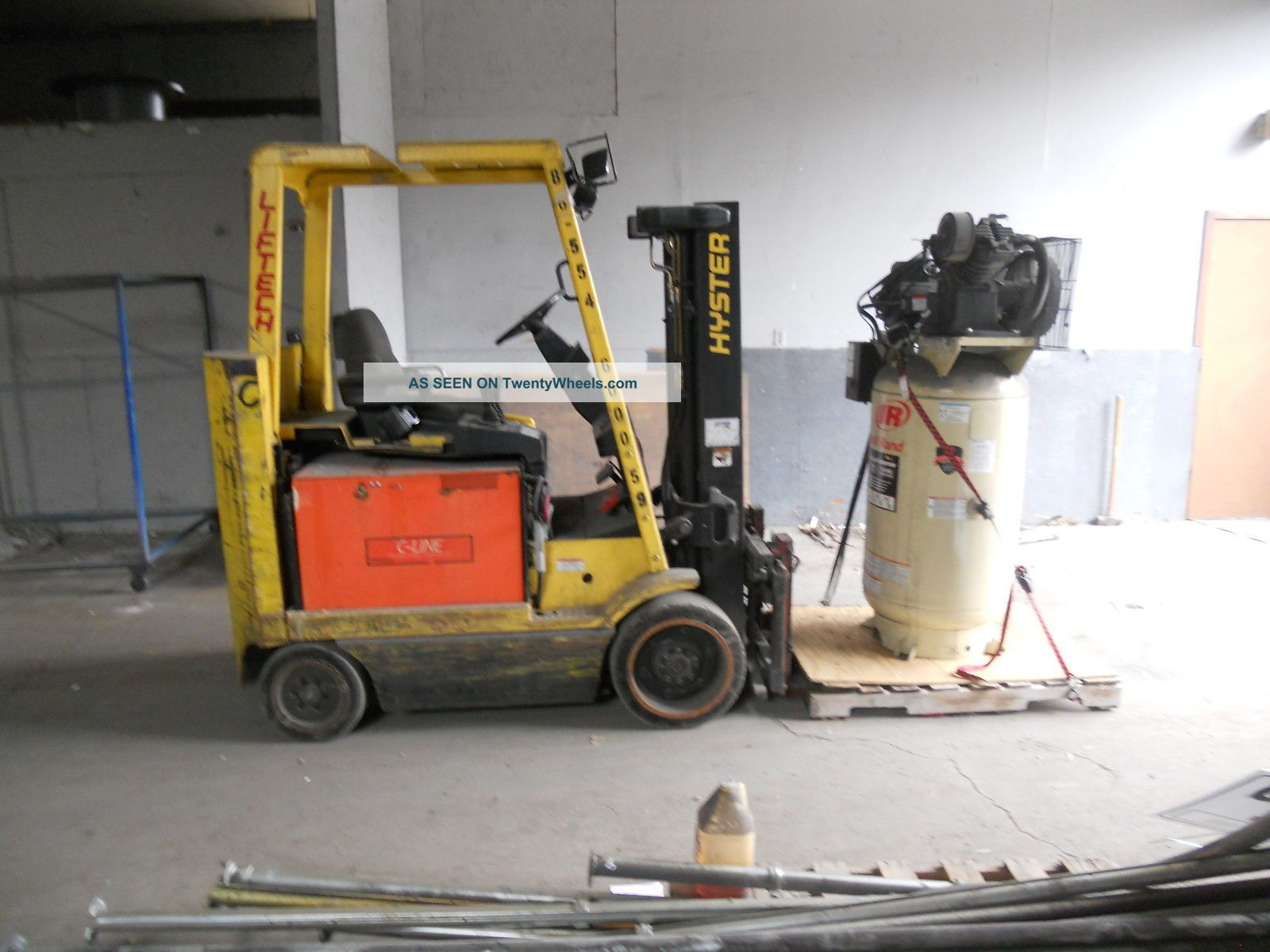 Fork Lift Hyster Forklifts photo