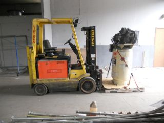 Fork Lift Hyster photo