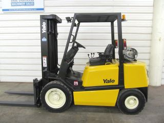 Yale Glp060,  6,  000 Pneumatic Tire Forklift,  Three Stage Mast,  Sideshift,  Low Hr photo