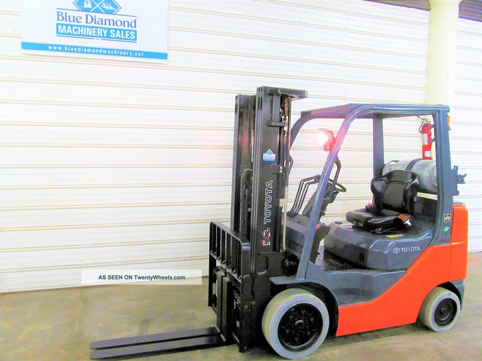 Toyota 8fgcu25,  5,  000 Cushion Tire Forklift,  Lps Rated,  4 Way,  Triple Sideshift Forklifts photo