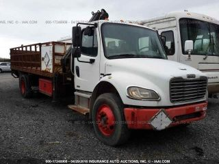 2004 Freightliner Business Class M2 106 Flatbed Trucks photo