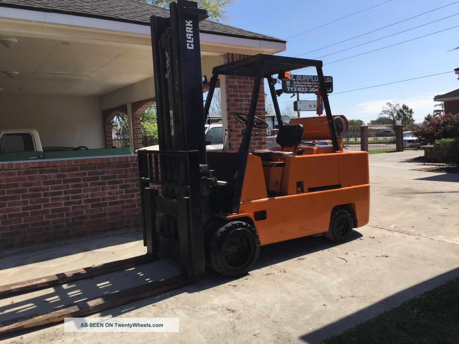 13500lbs Clark Forklift Heavy Duty Forks Propane Lift Forklifts photo