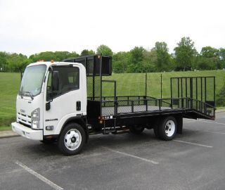 2016 Isuzu Npr Hd Landscaper Truck photo