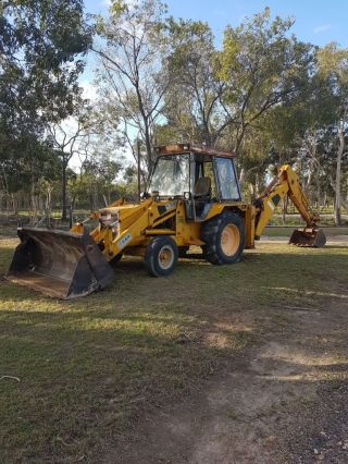 Jcb Backhoe photo