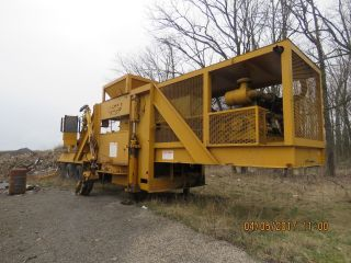 Universal Refiner M60 Tub Grinder,  Wood Chipper.  Tub Grinder,  Hydraulic Grapple photo