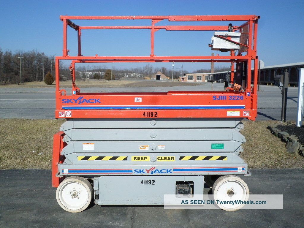 Skyjack Sjiii3226 26 ' Electric Slab Scissor Lift Manlift 26ft Platform Lift See more 2006 Skyjack SJIII3226 26' Electric Scissor Li... photo