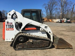 2011 Bobcat T190 Skid Steer photo