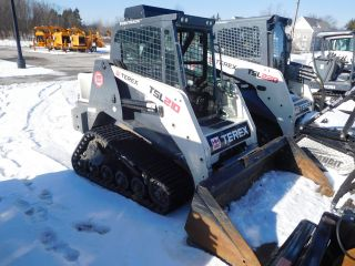 Terex Tsl210 Compact Mini Loader photo