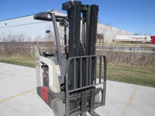 2008 Crown Rc5535 - 35 Electric Forklift.  36 Volt Battery 208 In Lift Height. photo