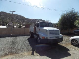 1995 International 8200 Dump Trucks photo