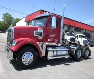 2016 Freightliner Coronado Sd Day Cab photo