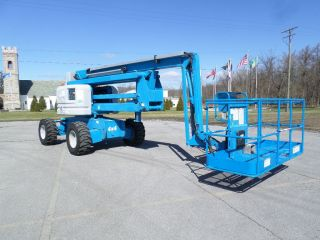 2006 Genie Z60/34 Boom Lift Man Lift Manlift Articulating Boomlift Man Basket photo