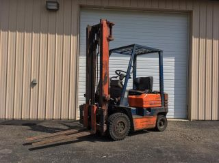 Toyota Air Tire Forklift photo