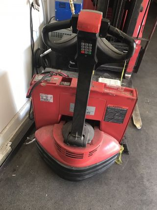 Raymond Electric Pallet Jack 4500lb Capacity photo