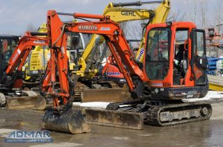 2012 Kubota Kx121r3at3 Excavator,  With Cab,  Angle Blade And Thumb. photo