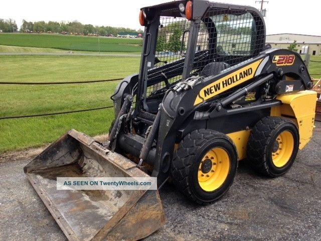 2013 Holland L218 840 Hours One Owner Skid Steer Loaders photo