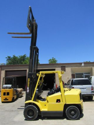 Hyster 80xl Diesel Pneumatic 8000 Lbs,  Triple Stage Mast,  Side Shift. photo