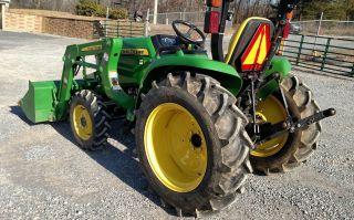 2015 John Deere 3032e Tractor 4x4 Loader photo