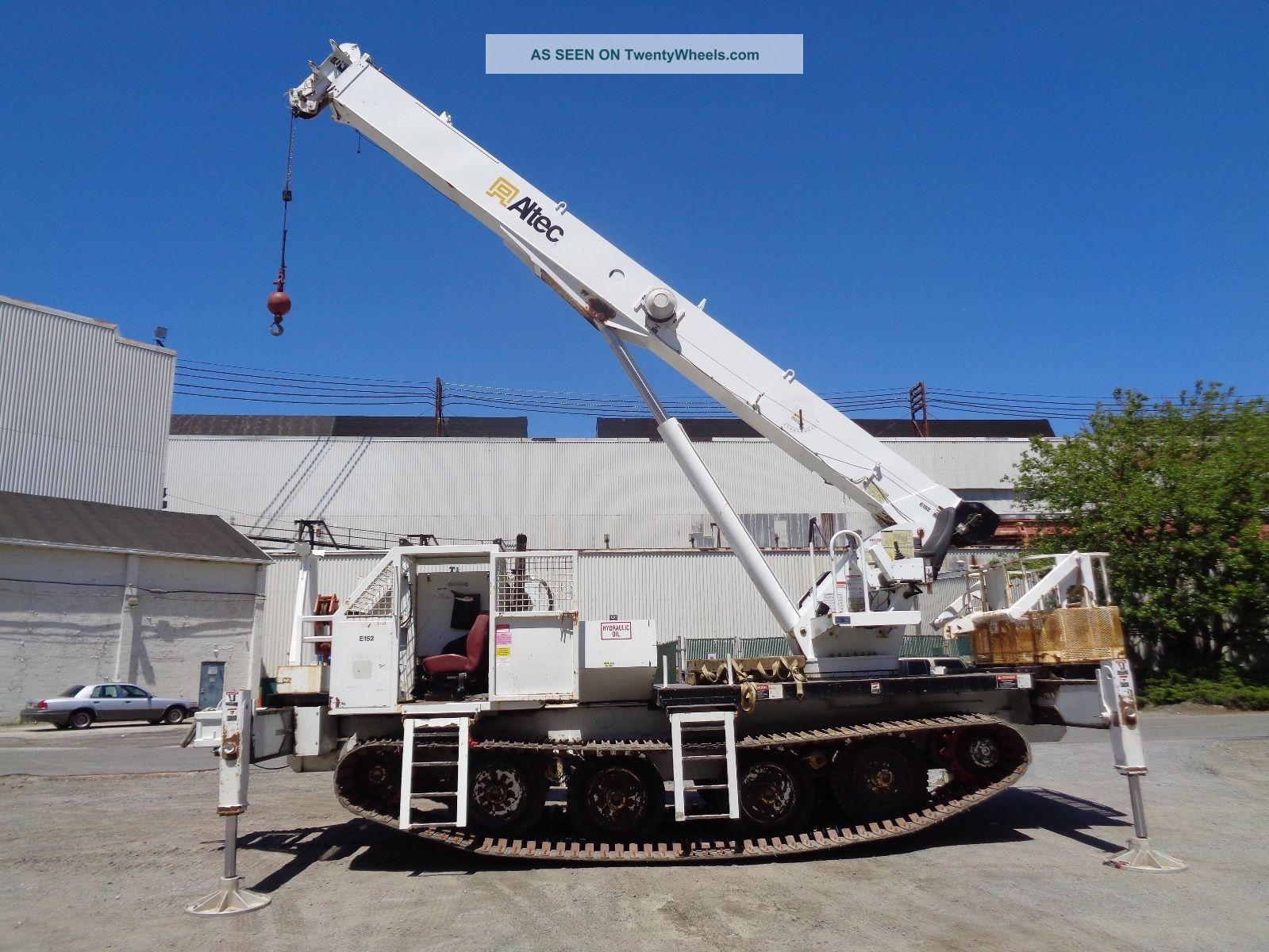 2007 Altec 26 Ton,  Hydraulic Rough Terrain Crane Boom Lift - 149 Ft Height Cranes photo