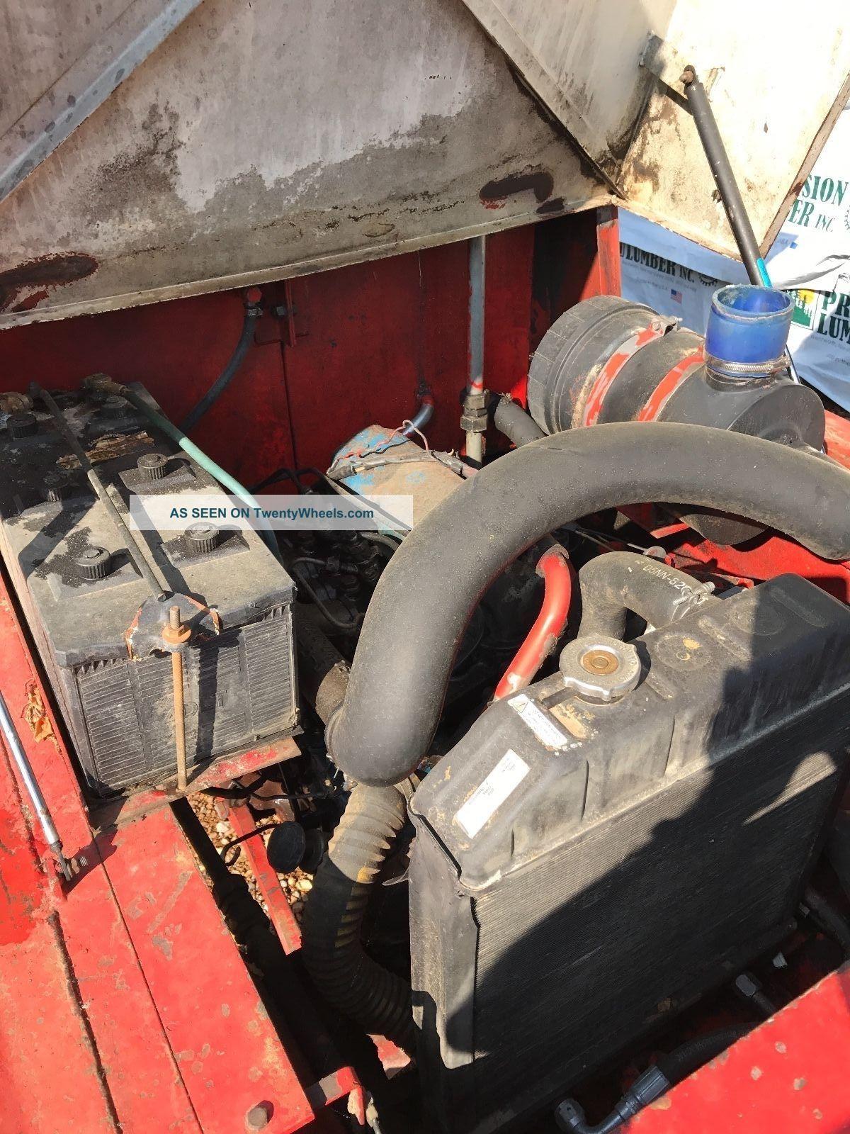 Manitou Forklift Forklifts photo