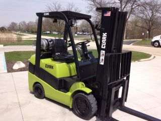 Wow Clark Forklift 6,  000 Lbs Warehouse Lift 3 Stage Mast Lp Gas Lease Return photo