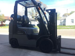 2008 Nissan 50 2 Stage Fork Lift 5000 Lbs photo