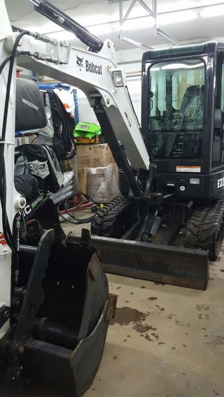 2012 Bobcat E32 Excavator Cab Hyd Thumb Low Hrs Ready 2 Work photo