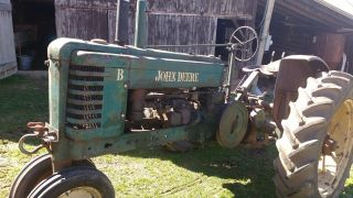 Antique John Deere B Tractor,  1942 Jd Vintage Styled,  Paint, photo