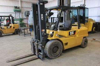 Forklift Caterpillar Dp45 photo