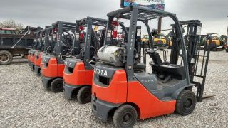 2013 Toyota 8fgu15 Pneumatic Tire ' S Propane Forklift photo