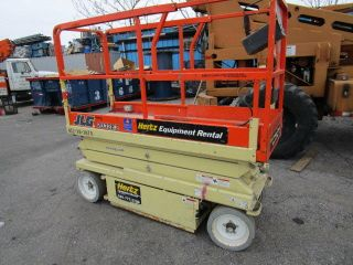 Scissor Lift Jlg 2032 photo