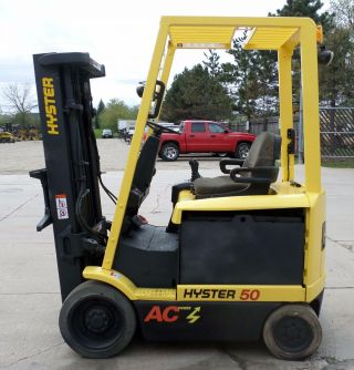 Hyster Model E50z - 33 (2006) 5000lbs Capacity Great 4 Wheel Electric Forklift photo