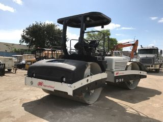 2005 Ingersoll - Rand Dd118 - Hf Roller photo