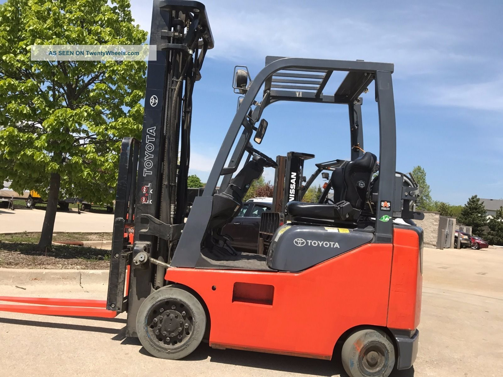 2014 Toyota Lpg  Propane Forklift - - We Will Ship Lifts 18 Feet