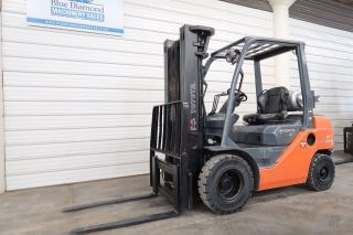 2008 Toyota 8fgu25,  1366 Hours 5,  000 Forklift,  Solid Pneu.  Tire,  3 Stg Mast,  S/s photo