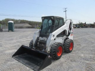 2008 Bobcat S300 Skid Steer Loader W/ Cab photo