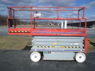 Skyjack Sjiii3226 26 ' Electric Slab Scissor Lift Manlift 26ft Platform Lift photo