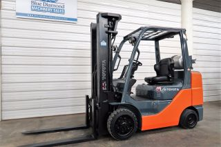 2009 Toyota 8fgcu32,  6,  500 Cushion Tire Forklift,  3 Stage Mast,  4 Way Hyd.  Lpg photo