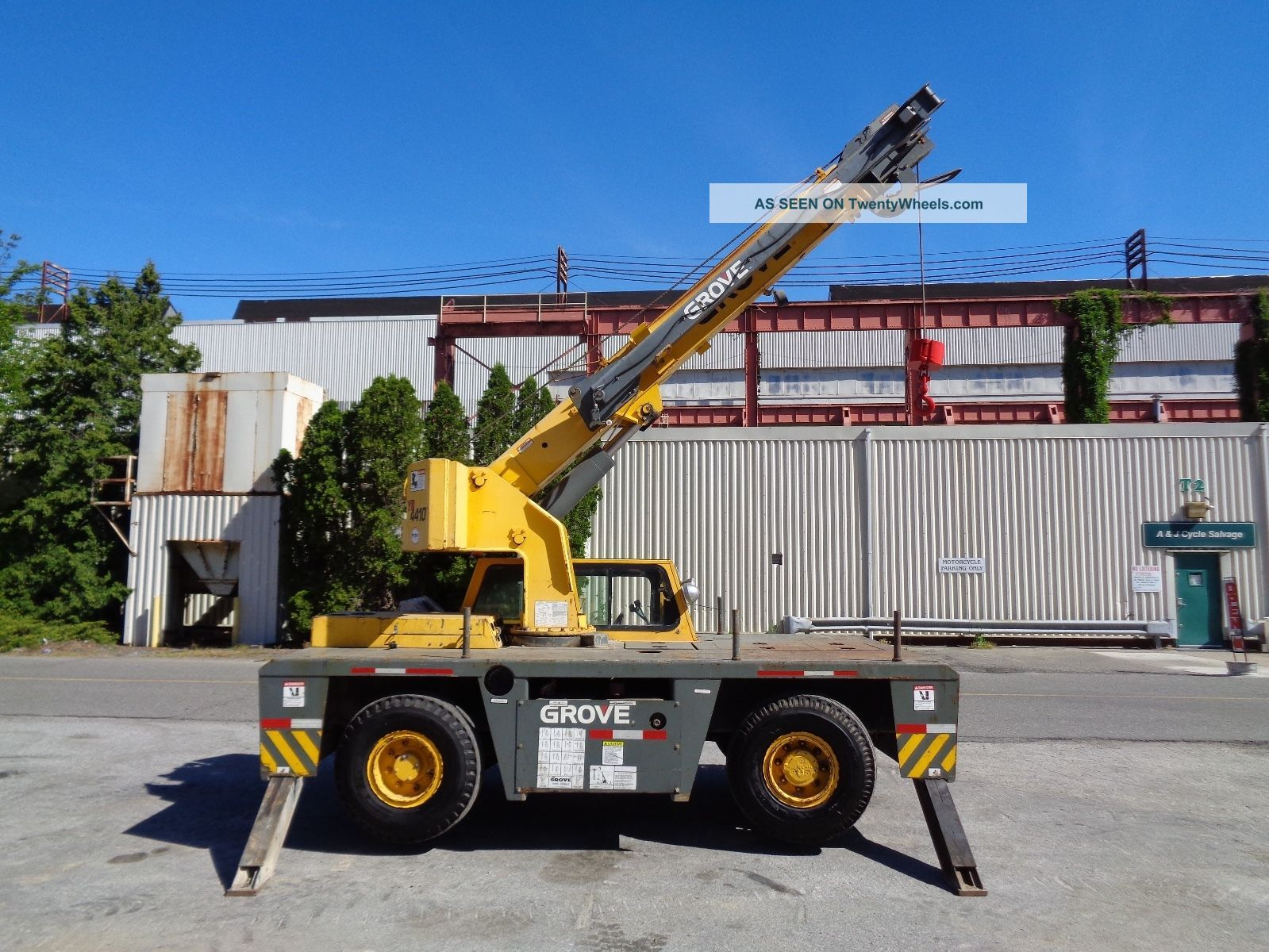 2002 Grove Yb4410 10 Ton Carry Deck Crane - Enclosed Cab - Lmi - Diesel Cranes photo