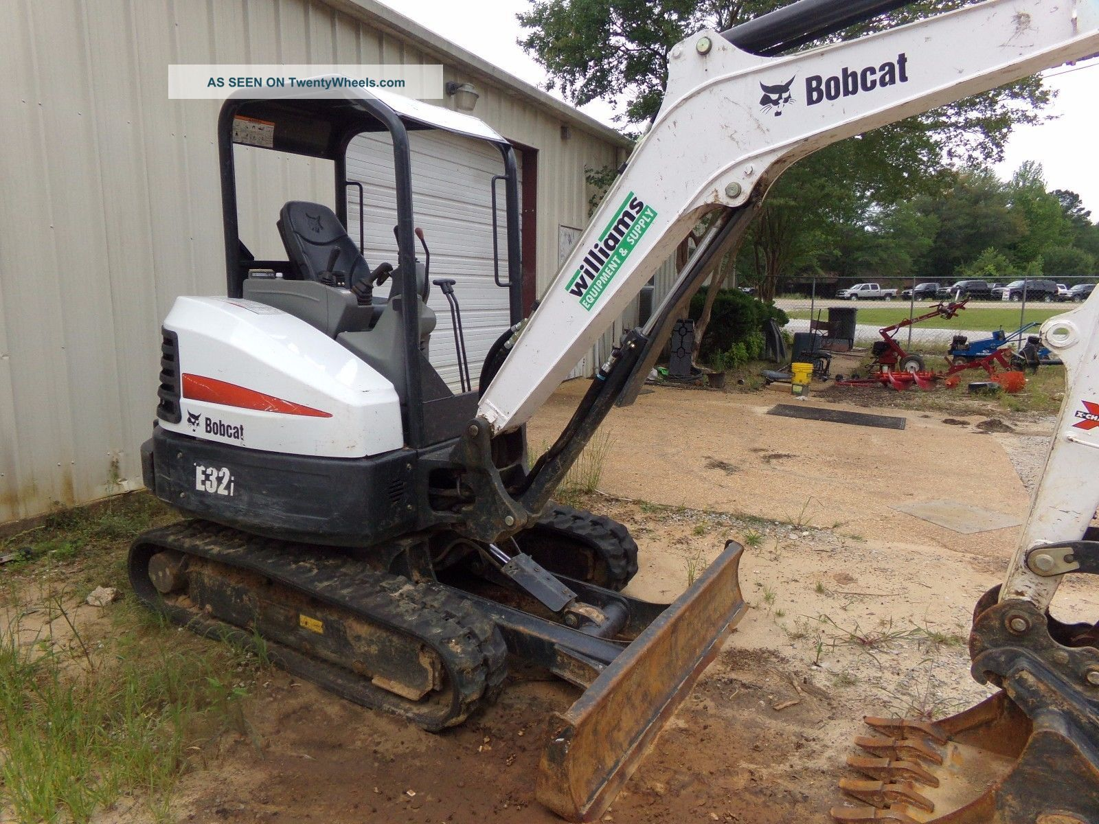 2016 Bobcat E32i Excavators photo