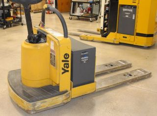Reduced - 2006 Yale Electric Lift Truck 6,  000 Lbs Capacity 2704 Hrs photo