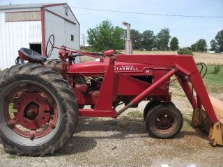 1941 Farmall H Tractor/front End Loader photo