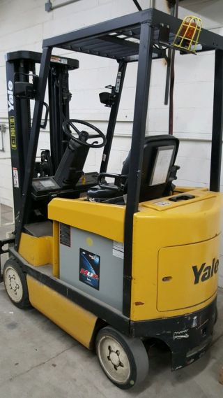 Yale Electric Forklift,  With Battery Charger Unit. photo