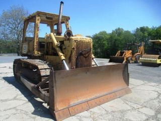 Caterpillar D5b Crawler Dozer,  Very,  Straight Blade W/tilt,  Excellent U/c photo