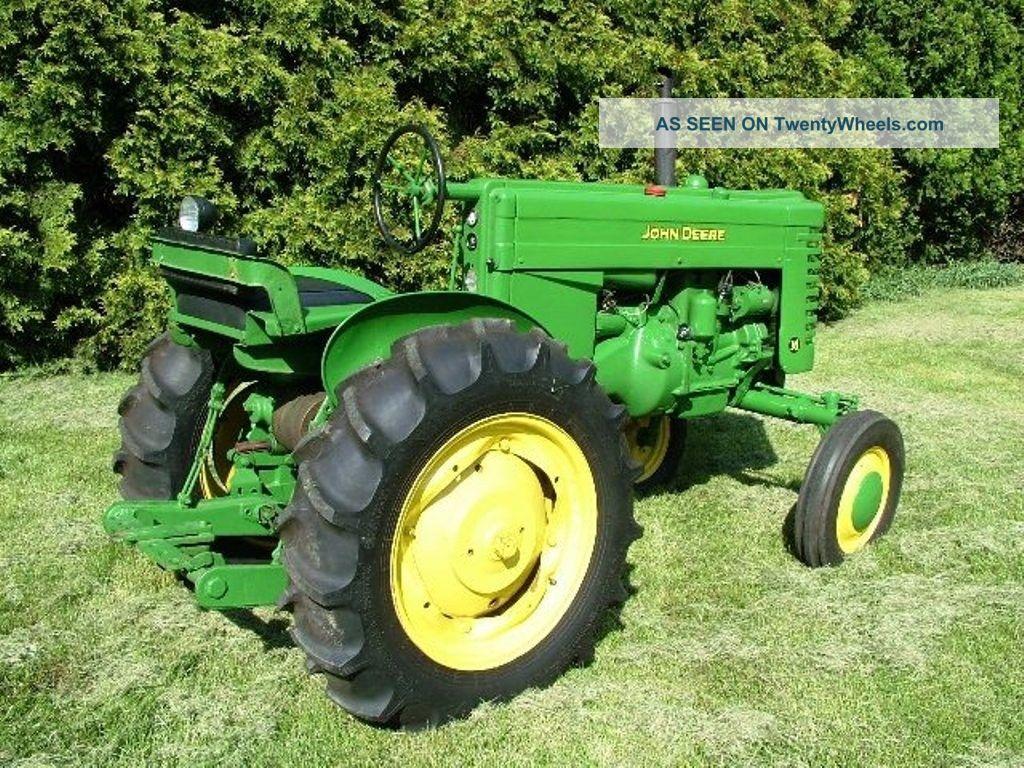 John Deere Model M 1948 Tractor